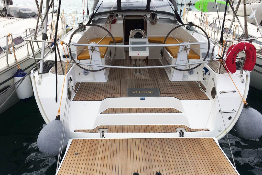 Vorschaubild Bavaria 46 Cruiser - Rear view - Melodia