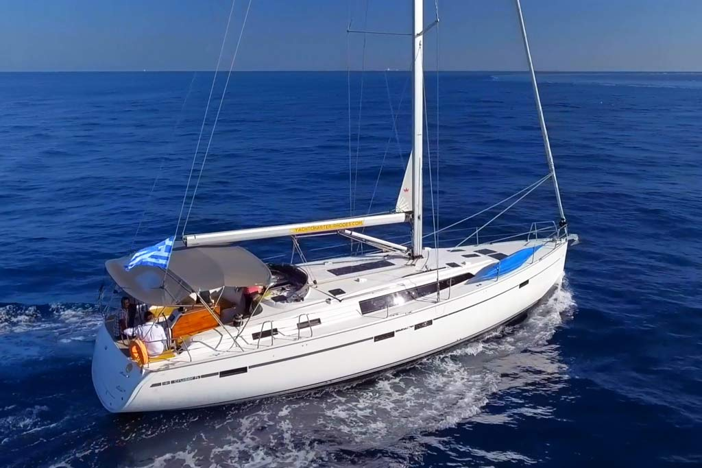 Vorschaubild Bavaria 51 Cruiser - Elpida - In water