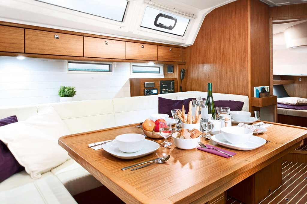 Vorschaubild Producer Image - Bavaria 46 Cruiser - Saloon table - Fedias