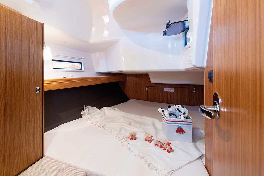 Vorschaubild Producer Image - Bavaria 37 Cruiser - Nemenia - Double cabin 2