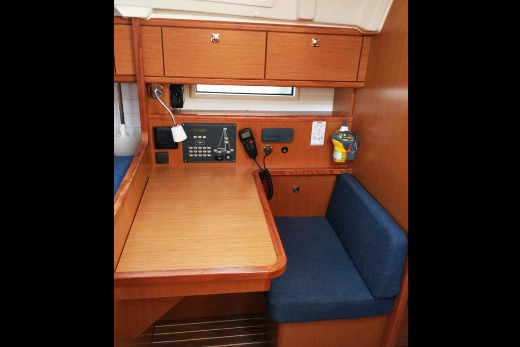 Vorschaubild Bavaria 41 Cruiser - Nostalgia - Working space