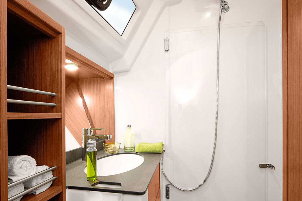 Vorschaubild Producer Image - Bavaria 41 Cruiser - Optasia - Shower